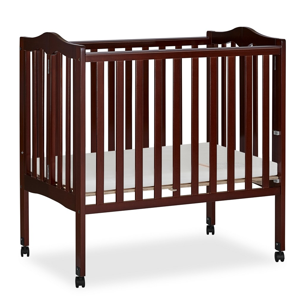 2 in 1 Lightweight Portable Crib - Dream On Me 681-E