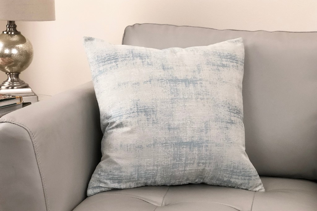 Contemporary | Decorative | Pillow | Fabric | Foam | Live | Sea