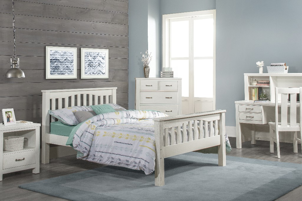Hillsdale Full Bed White Wood