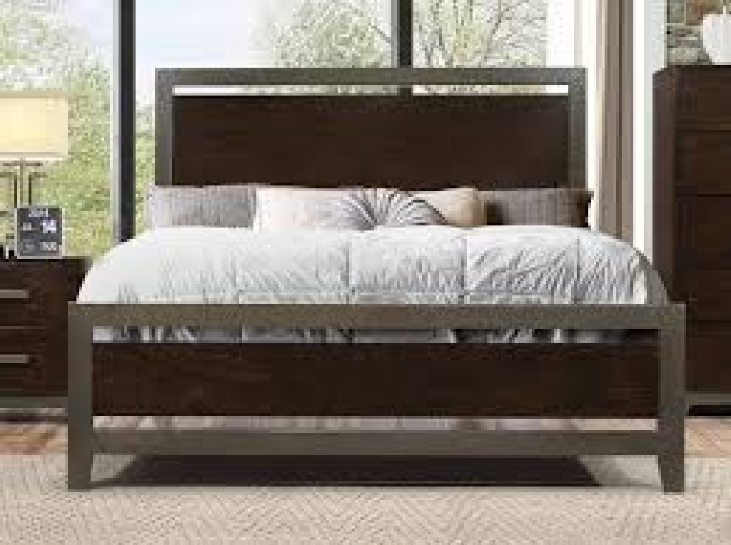 Acme Charleen Eastern King Bed Walnut