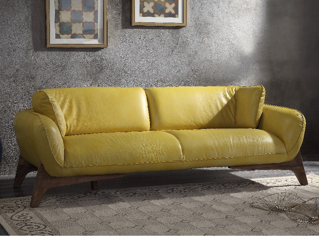 Pesach Sofa