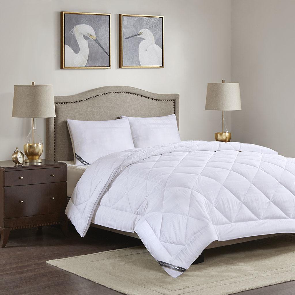 525 Thread Count King All Season Cotton Rich Down Alternative Comforter - Madison Park MP10-5793