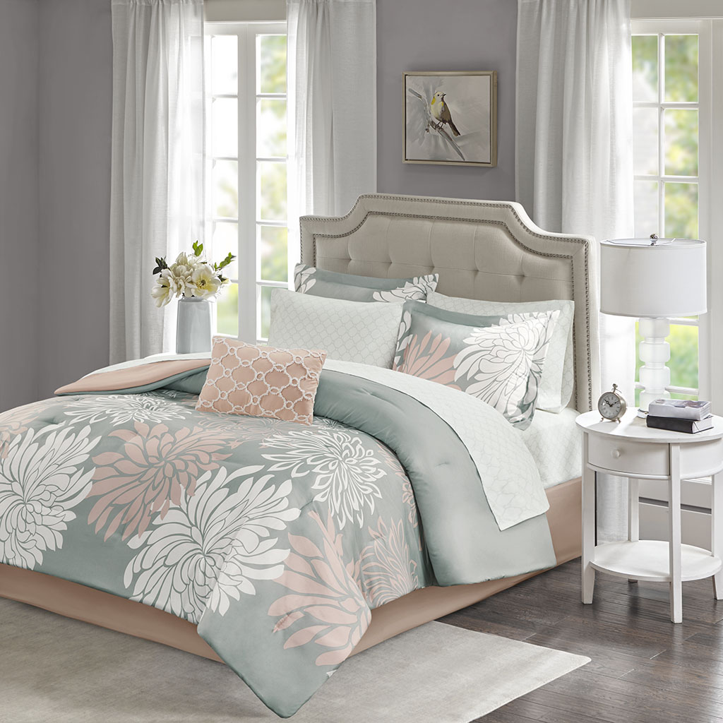 Madison Park Essentials Cal King Complete Comforter & Cotton Sheet Set in Blush/Grey - Olliix MPE10-863