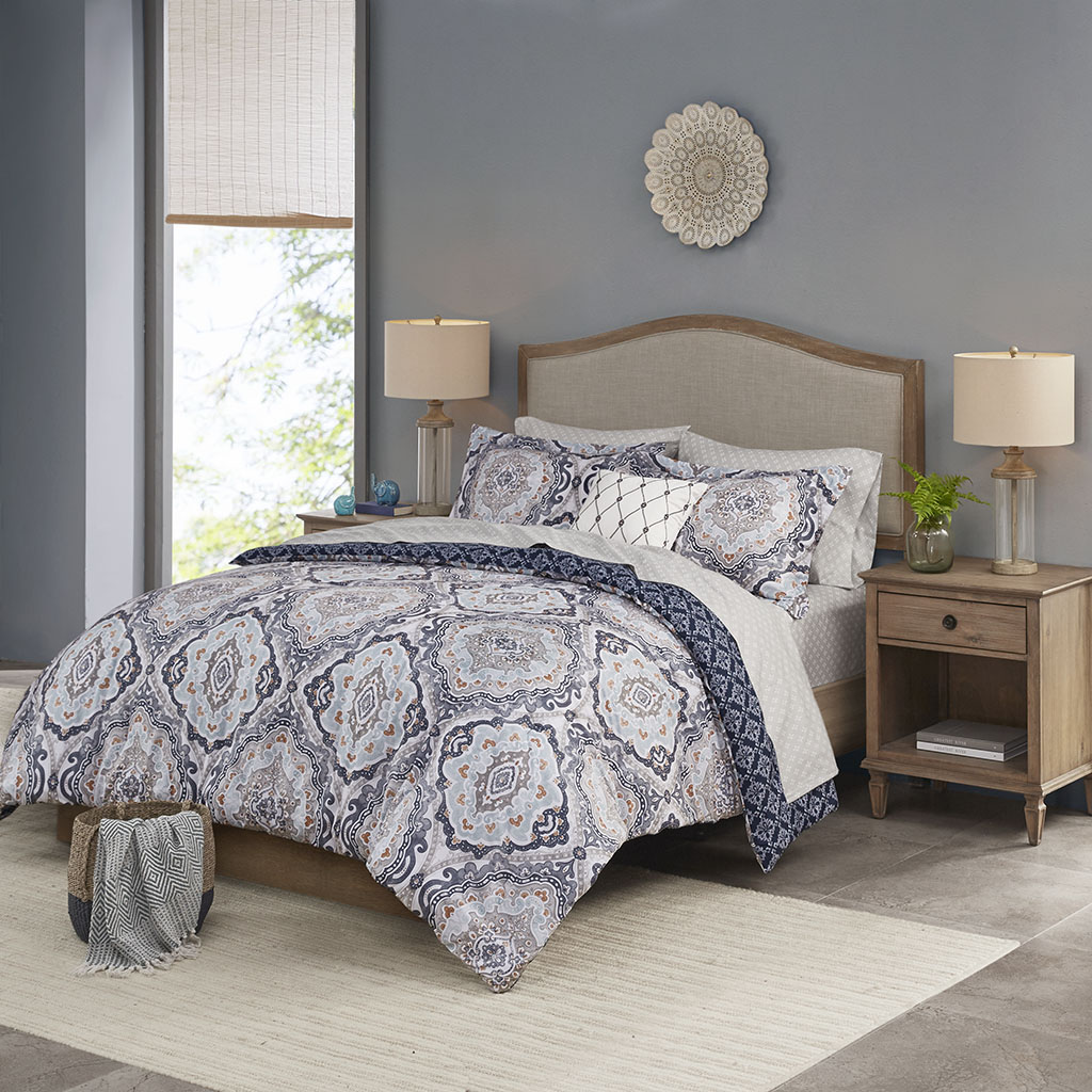 Madison Park Essentials Cal King 100% Polyester 8 Piece Comforter Set in Navy - Olliix MPE10-869