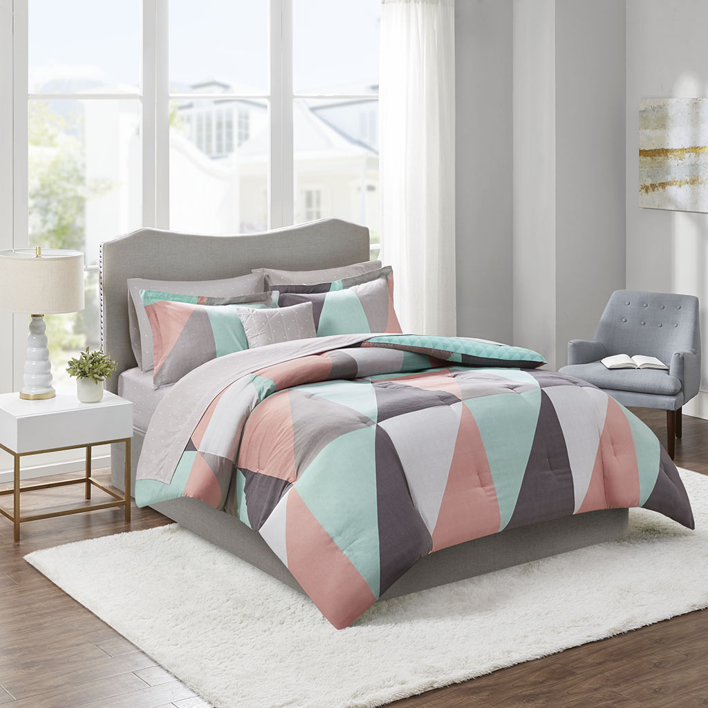 Madison Park Essentials Cal King 100% Polyester 8 Piece Comforter Set in Aqua - Olliix MPE10-888