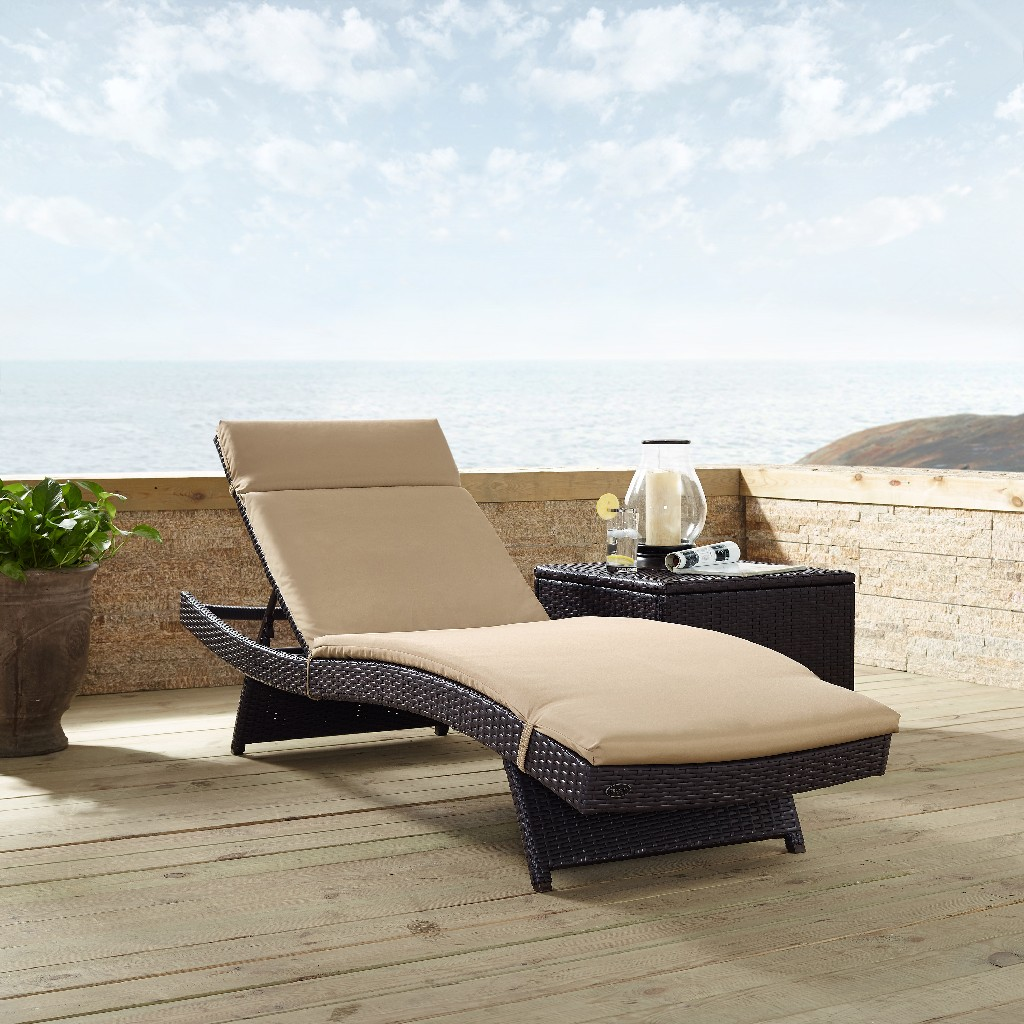 Biscayne Chaise Lounge With Mocha Cushion - Crosley CO7144BR-MO