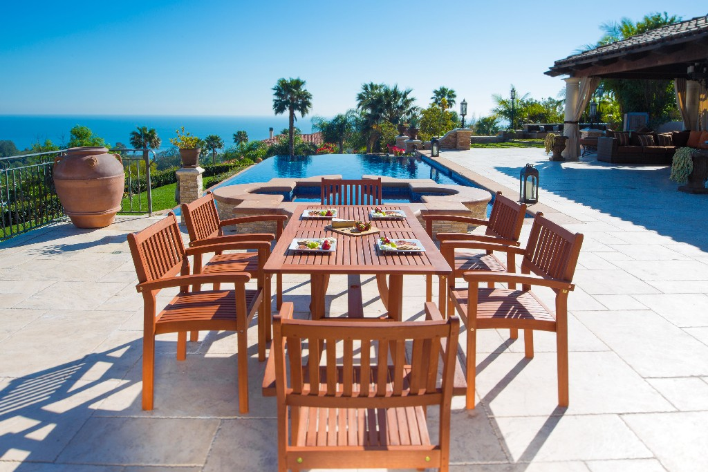 Vifah Wood Patio Dining Set Stacking Chairs