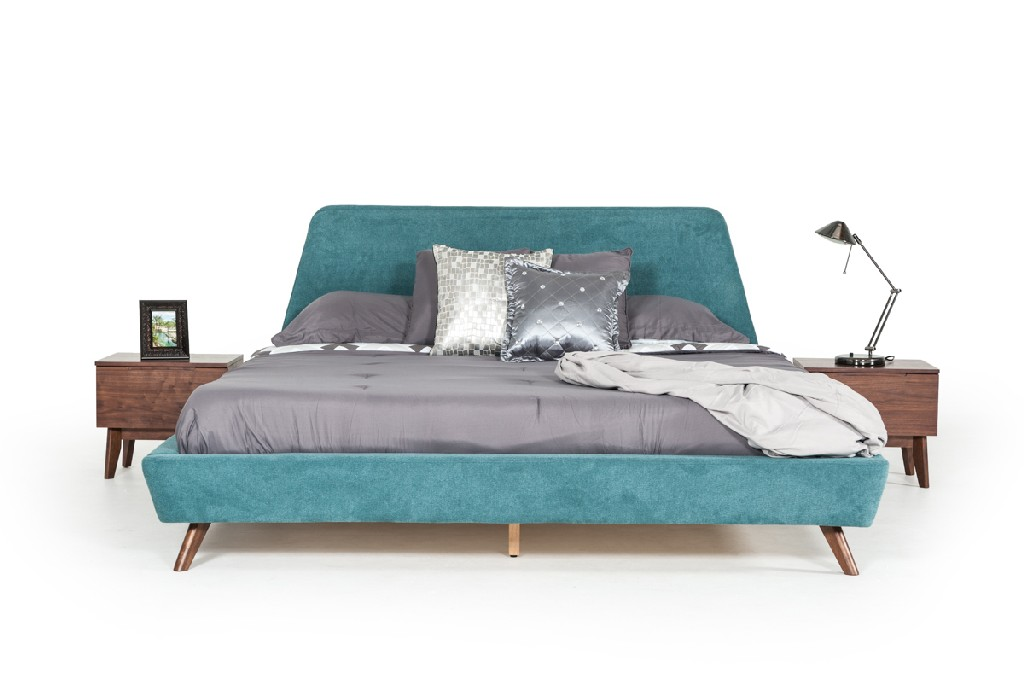 Vig Furniture Walnut Bed Photo