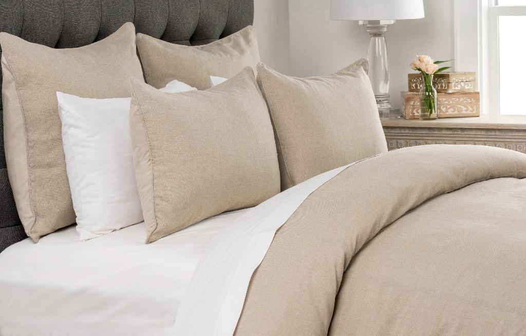 Carter Queen Duvet Cover in Natural - Kosas Home V011555