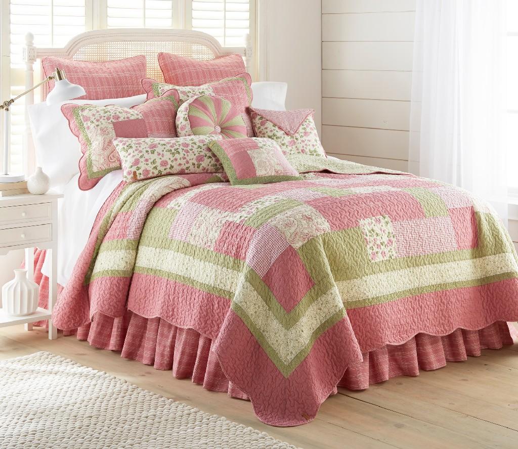 Donna Sharp Bashful Rose King Quilt - American Heritage Textiles 51907