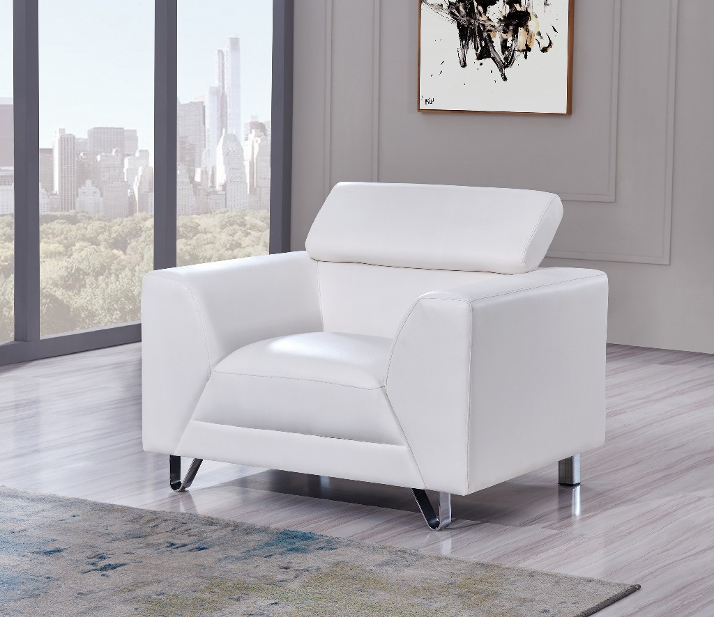 Chair in White - Global Furniture USA U8210 - PLUTO WHITE - CHAIR(M)