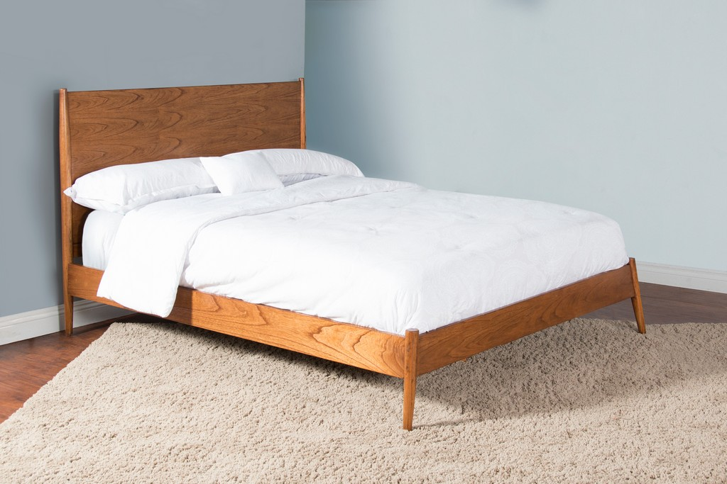 American Modern Eastern King Panel Bed - Sunny Designs 2336CN-EK