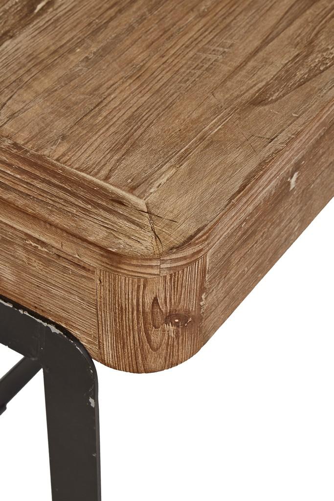 Grand Linen Wingback Chair - Furniture Classics 20-352