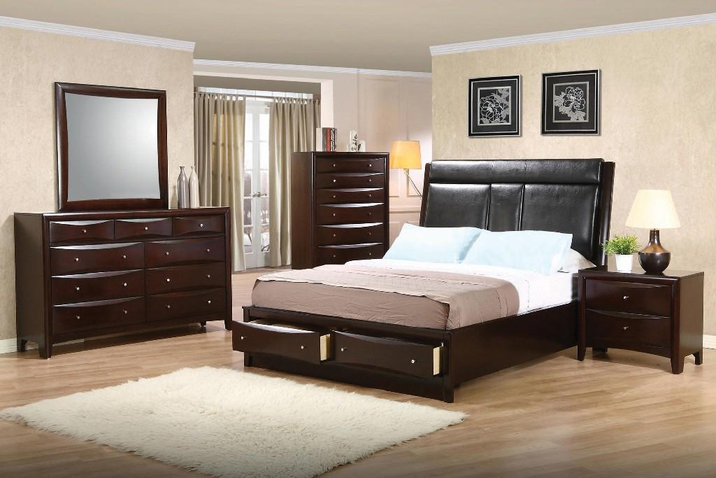 Upholstered Queen Four Bedroom Set