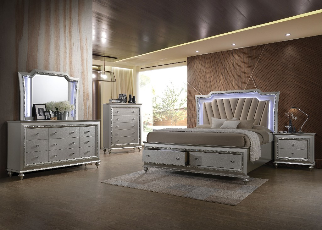 Acme Kaitlyn Queen Bed Pu Champagne