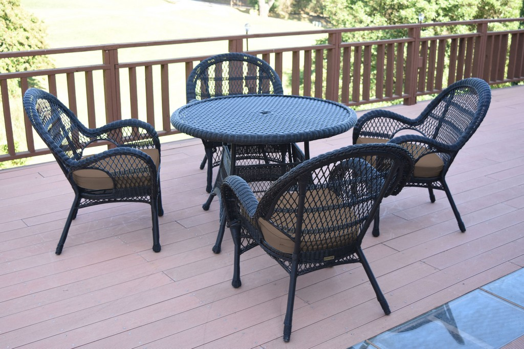 Jeco Black Wicker Dining Set Brown Cushions