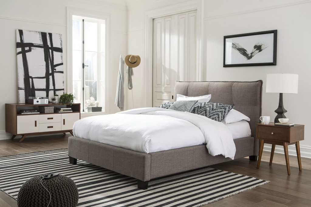 Adona California King-Size Upholstered Platform Bed in Dolphin Linen - Modus 3ZH3L648