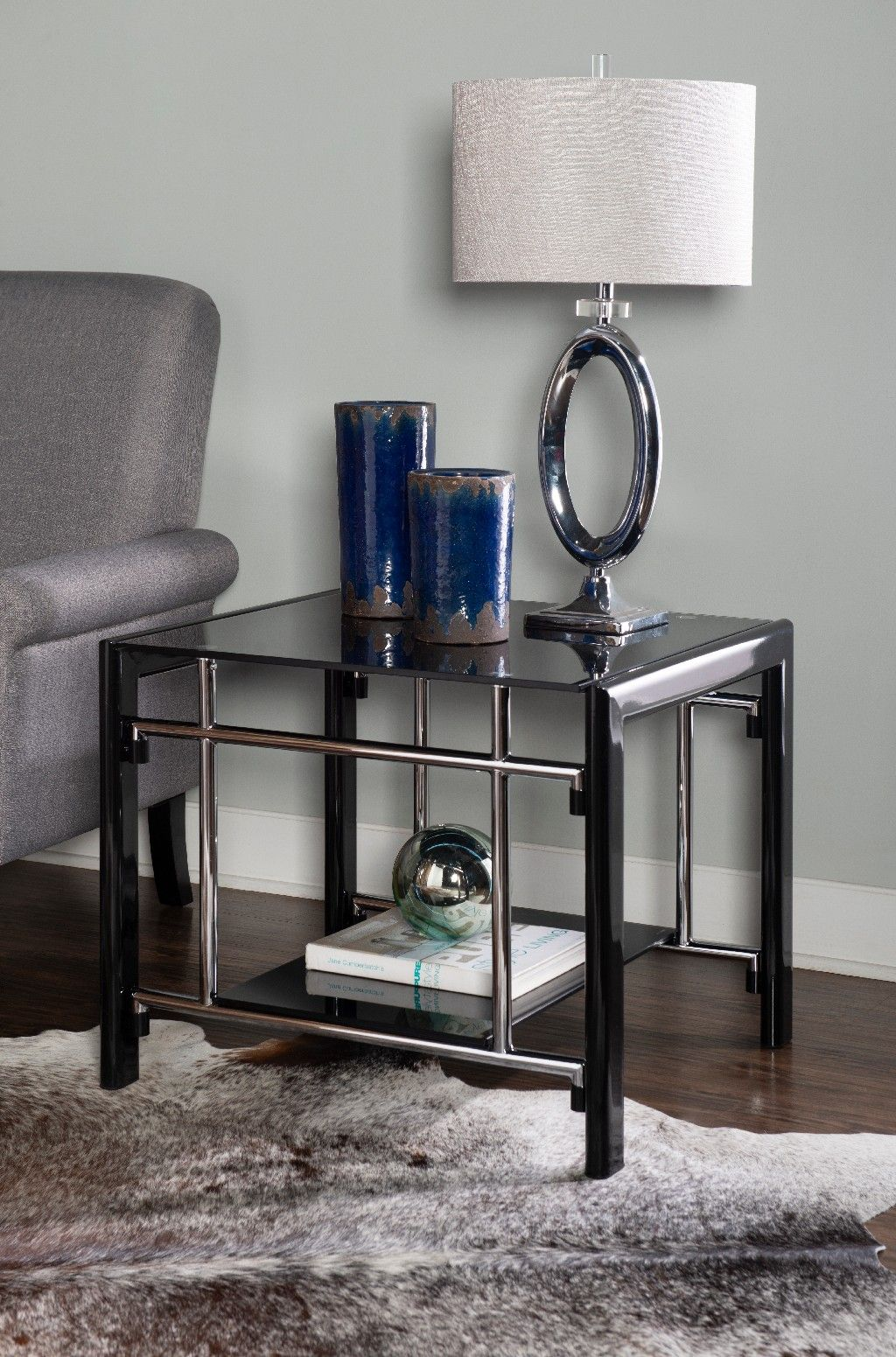 Black Glass End Table In Black Powell 629 210c