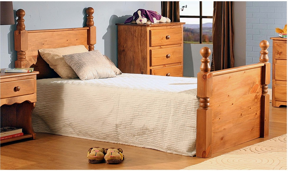 Chelsea Home Charlton Twin Bed Honey Pine