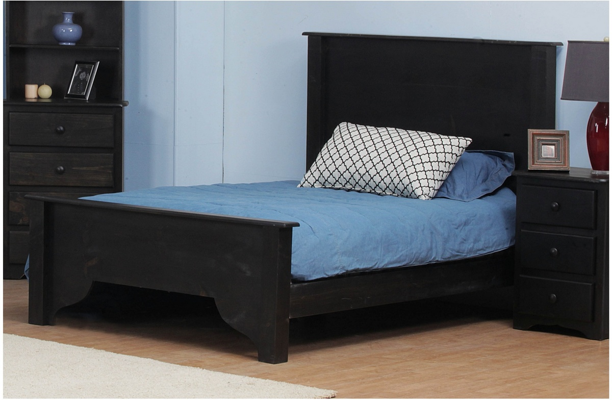 Chelsea Home Dighton Full Bed Black