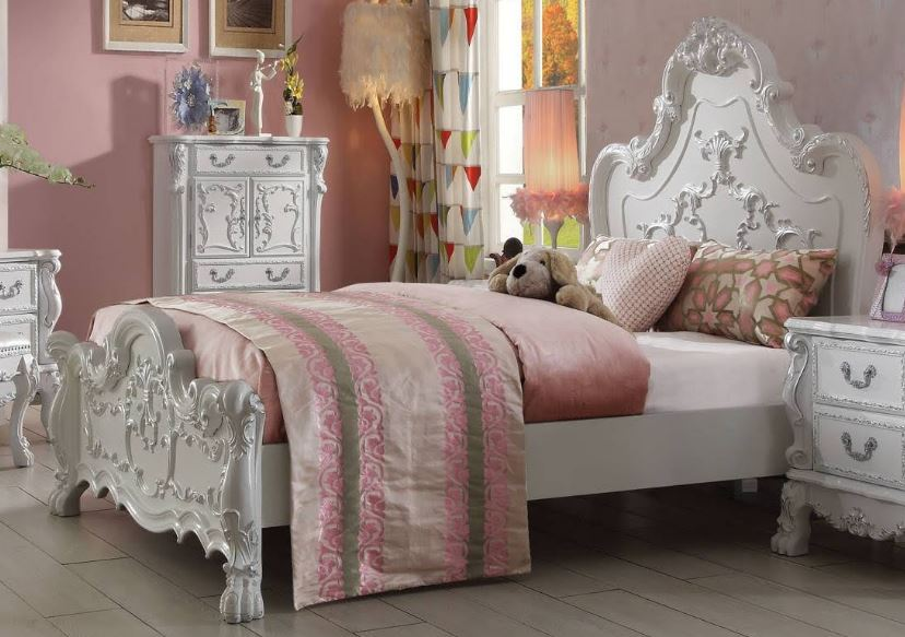 Acme Queen Bed Antique White
