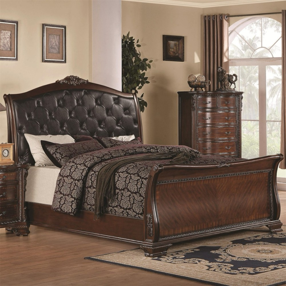 Coaster Maddison Traditional Cal King Bed