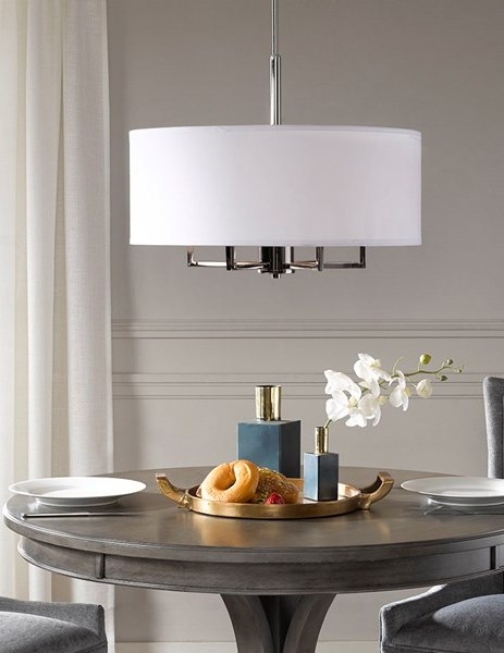 Hampton Hill Broderick Chandelier in White/Silver - Olliix MPS150-0066