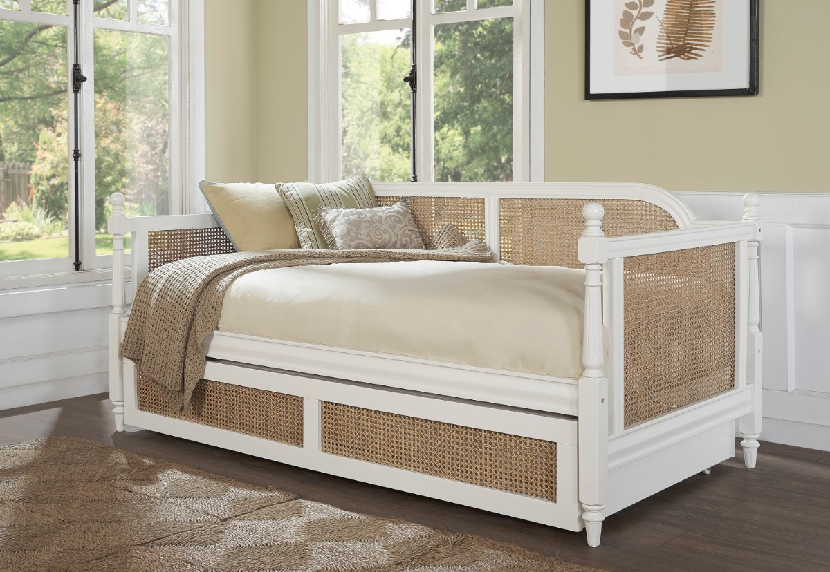 Hillsdale Melanie Daybed White Cane Trundle