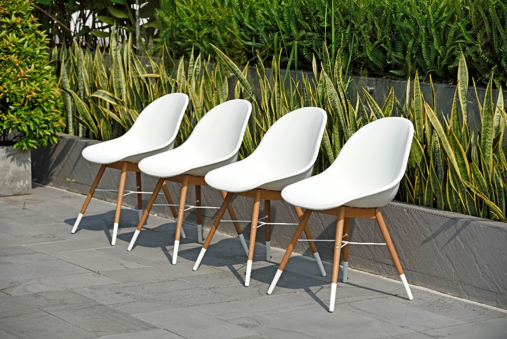 Amazonia Wood 4 Piece Patio Dining Chair Set in a Light Teak Finish - International Home SC 4CHAMSIDE WHT LT